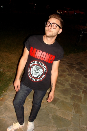 black vintage from Ebay t-shirt - Zara jeans - white Converse shoes - black Ray