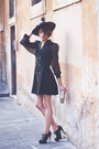 Black-alyssa-shoes-black-double-breasted-vintage-dress