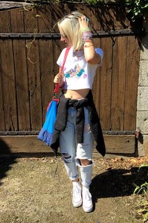 white Mango sunglasses - light blue pull&bear jeans - blue Eastpak bag