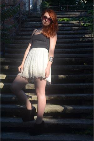 H&M bracelet - River Island sunglasses - Zara skirt