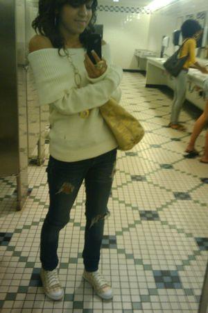 gold coach bag - gold coach shoes - beige H&M top - blue Rave jeans