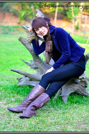 dark brown silk material scarf