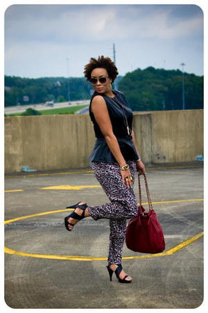 printed handmade pants - Louis Vuitton sunglasses - Nine West sandals