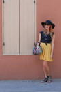 Black-nine-west-hat-mustard-forever-21-skirt