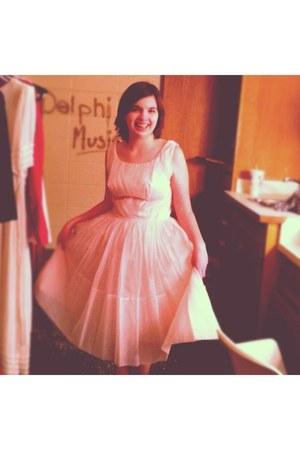 light pink vintage dress