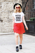 red printed c&a skirt - black chain cut out Zara boots