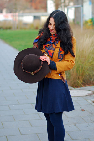 mustard Zara jacket - navy H&M dress - dark brown Promod hat - navajo Zara scarf