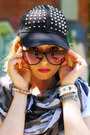 Black-studded-pimkie-hat-white-printed-new-yorker-shirt