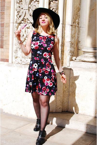 black chain biker Zara boots - floral H&M dress