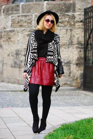black aztek Forever 21 cardigan - maroon fake leather Forever 21 skirt