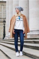 camel camel c&a coat - blue blue H&M jeans - white Zara sneakers