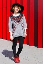 brick red cowboy Zara boots - heather gray new folk H&M sweatshirt