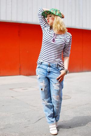 sky blue Zara jeans - green printed cap Pimkie hat - white wegde Pimkie sneakers
