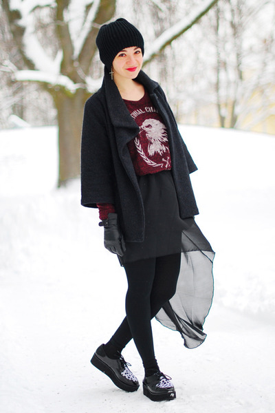 black assymmetric Ebay skirt - maroon Zara sweater