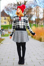 Black-tartan-forever21-sweater-red-zara-sunglasses
