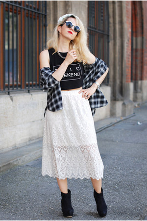 ivory lace midi H&M skirt - black crop printed H&M top - black tartan H&M blouse