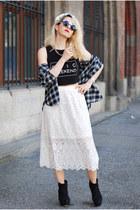 ivory lace midi H&M skirt - black crop printed H&M top - black tartan H&M blouse