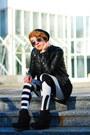 Black-fake-leather-h-m-jacket-black-grafik-print-asos-leggings