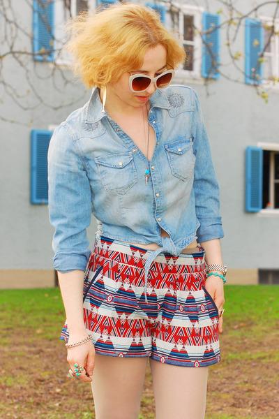 folk Zara shorts - light blue denim H&M blouse
