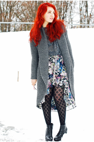 assymetrical Zara skirt - lurex Zara shirt - long Hallhuber cardigan
