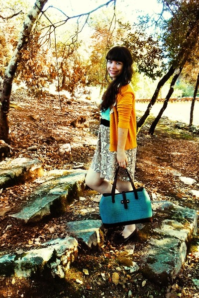mustard Obambi cardigan - teal Parfois bag - camel Sam Wish skirt