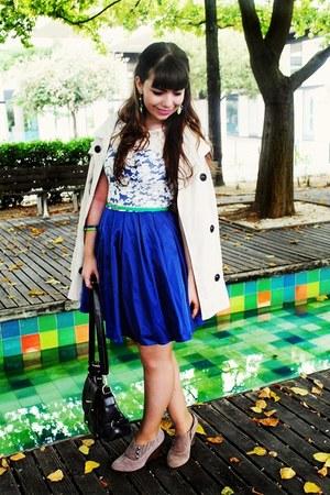 blue lace Chichi clothing dress - cream trench Stradivarius coat