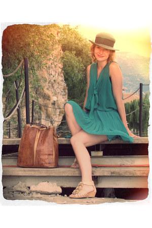 vintage hat - vintage bag - unknown sandals - aquamarine Mina UK skirt