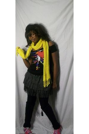 black Rue 21 leggings - black Rue 21 shirt - gray Rue 21 skirt - gold Rue 21 sca