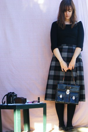 thrifted vintage skirt - thrifted vintage bag
