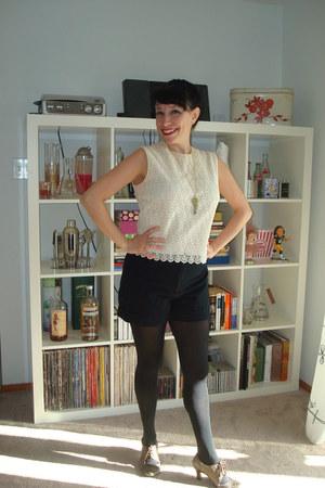 vintage shorts - Newport News shoes - vintage top