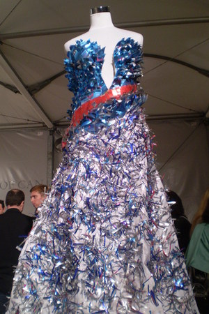 blue red bull cans Ettlerish dress