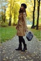 camel Zara coat - black Guess boots