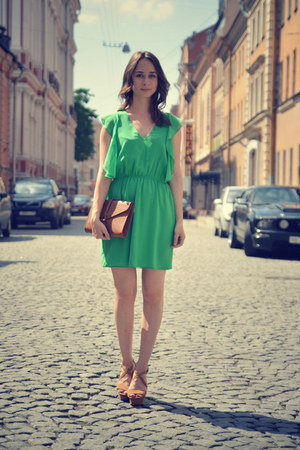 green Zara dress - burnt orange Zara wedges
