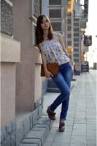 blue Motivi jeans - white floral print Sasch top