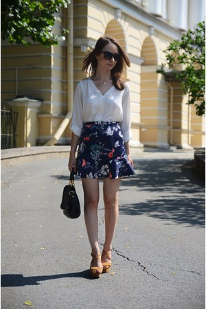navy floral print Zara skirt - off white Zara shirt