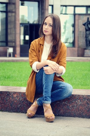 burnt orange Zara blazer - blue Motivi jeans - bronze Zara sandals