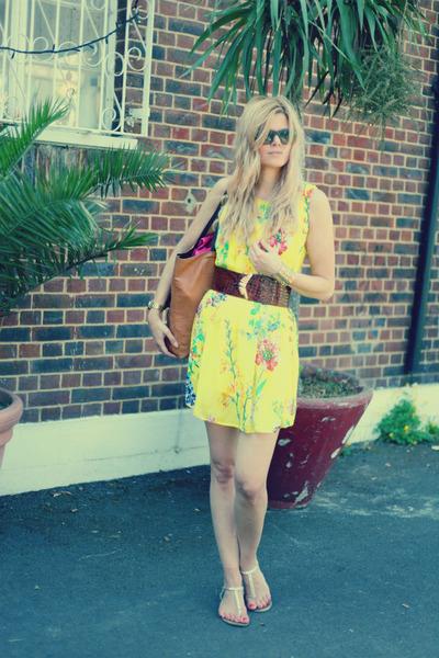 vintage belt - Atmosphere dress - Celine sunglasses - Guess sandals
