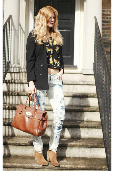 Report boots - Levis jeans - Mulberry bag - River Island top