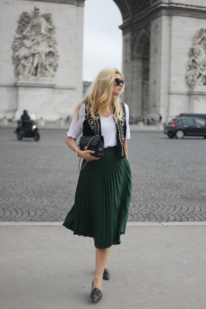 Chanel bag - Zara skirt