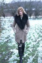 Oasis coat - Oasis boots - Zara pants
