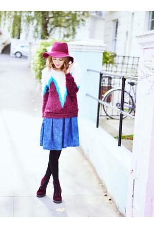 maroon velvet H&M boots - maroon Stradivarius hat