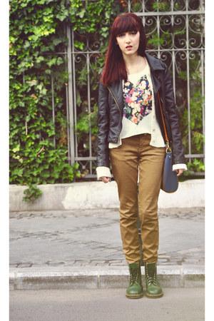 H&M top - Dr Martens boots - Zara pants