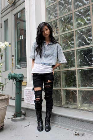 Narnia Vintage top - t-shirt - Target jeans - vintage boots