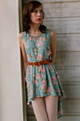 Everybodys-buying-vintage-dress