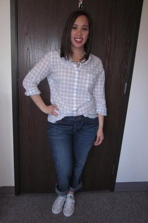 silver necklace - blue denim jeans - heather gray cotton shirt