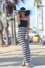 Black-maxi-dress-bongo-jeans-dress-black-sun-hat-dynamic-asia-hat