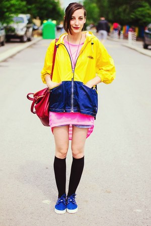 yellow raincoat second hand jacket
