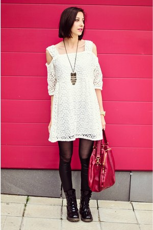 white lace 6ks dress