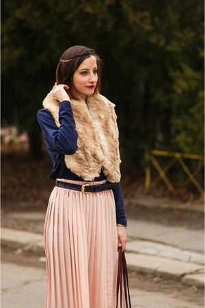 midi pleated second hand skirt - faux fur collar second hand scarf
