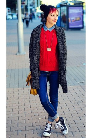 oversize pull&bear coat - black ovs hat - red Mango sweater
